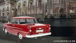 hahlmodelle.de | Stellprobe: Der Kapitän parkt vor dem Hotel