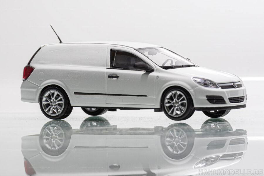 Modellauto | hahlmodelle.de | Opel Astra H Lieferwagen