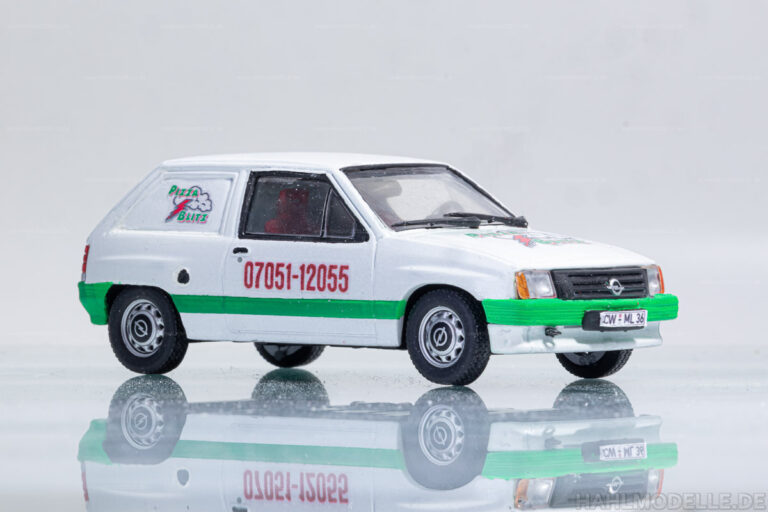 "Opel Corsa A Kastenwagen ""Pizzablitz"""