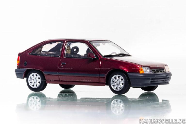 Opel Kadett E, Limousine